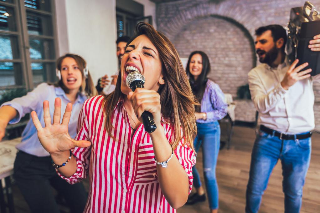 event team building singing